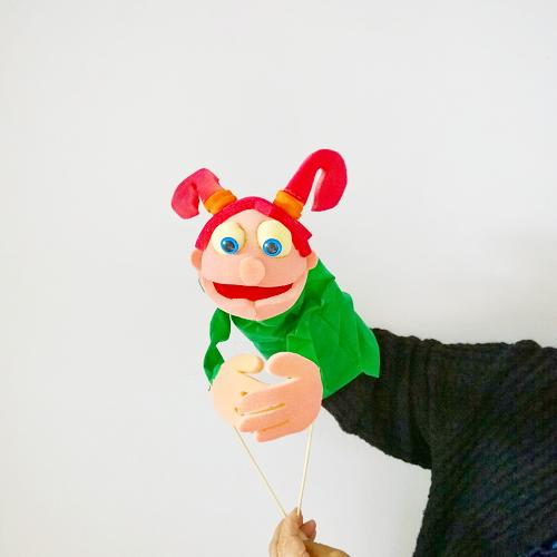 Marioneta de boca nena