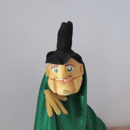 Títere tallado sombrerito